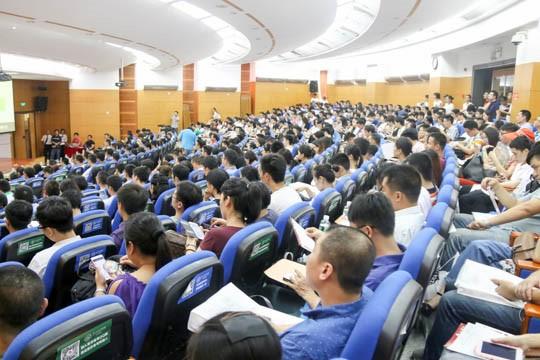 http://news.mbaedu.cn/Files/Class_news/pic1/hanhuiyang-2016-08-01-1.jpg